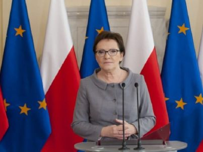 Polish govt weekly press conference October 2015 photo AP